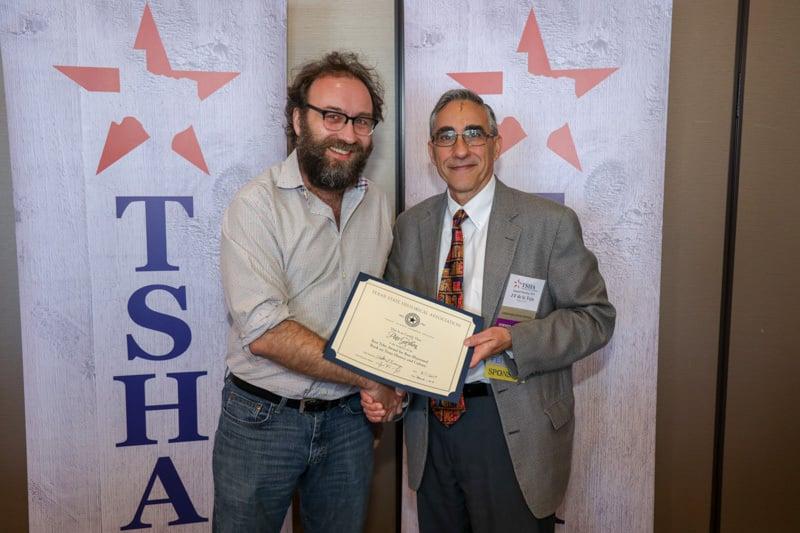 photo of 2019 recipient pete gershon awarded by frand de la teja